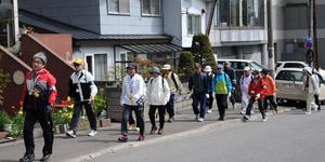 shiminwalk2.jpg